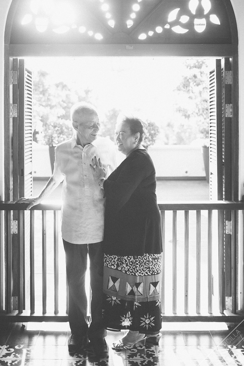 grandparents old couple in love